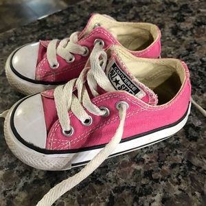 Toddler size 5 converse shoes